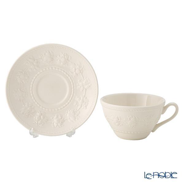 ウェッジウッド(Wedgwood) フェスティビティ ティーカップ&ソーサー 160cc(アイボリー) 商品画像3:ブランド洋食器専門店 ル・ノーブル