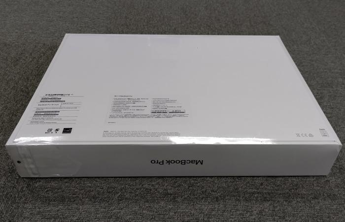 MacBook Pro Retinaディスプレイ 2300/16 MVVK2J/A [スペースグレイ] 商品画像2:パニカウ